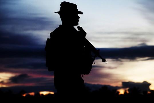 SilhouetteOfAWarrior-MarineCorps-Attrib-Flickr-Marine_Corps-9801282315-640x427